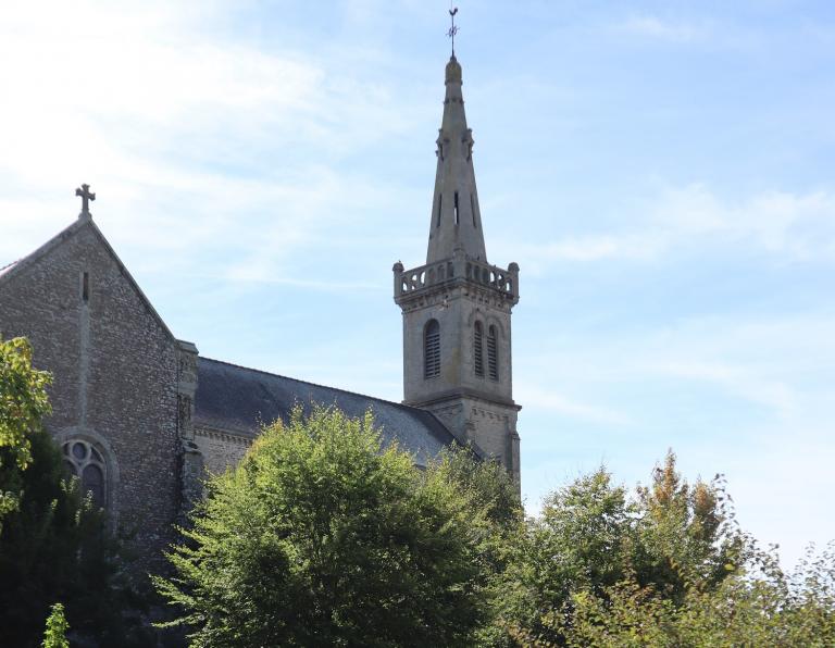 Morbihan: le département a de l'argent pour Notre-Dame-de-Paris, pas pour ses chapelles