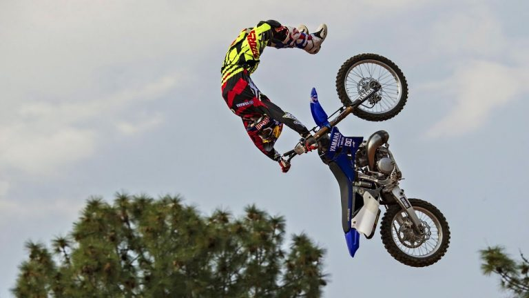 Tom Pagès, le motard nantais qui défie les lois de la gravité