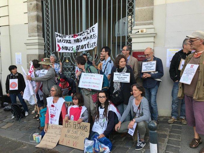 Rennes : démonstration de force du maire anti-pesticides de Langouët