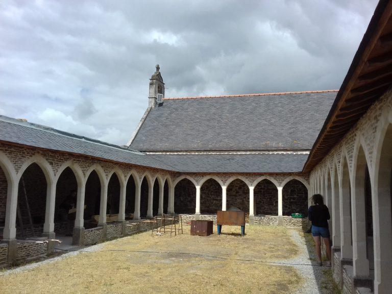 La Chapelle Basse-Mer: le chantier de la chapelle Saint-Pierre aux Liens a continué cet été