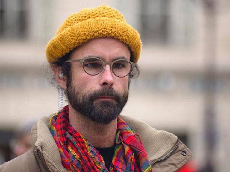 Un procès qui n'en est pas un pour le passeur de migrants Cédric Herrou