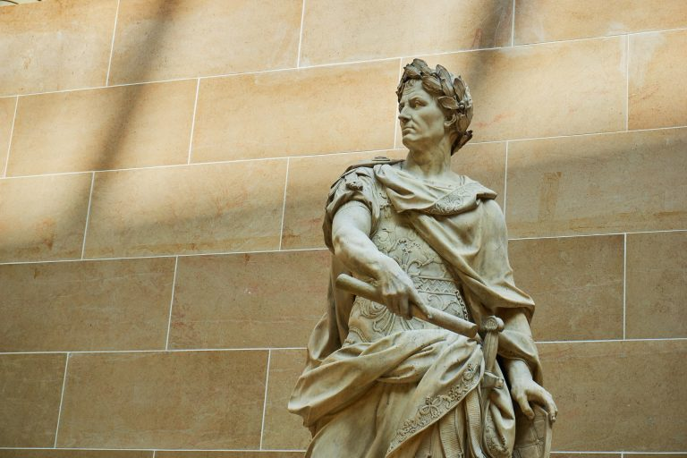 Rome. La véritable histoire des douze Césars, racontée par Virginie Girod [Interview]