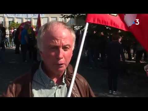 Manifestation des agents des impôts à Châteaulin contre la réforme [Vidéo]