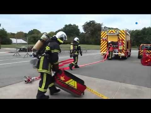 Pompiers professionnels et volontaires à la caserne de Pontivy [Vidéo]