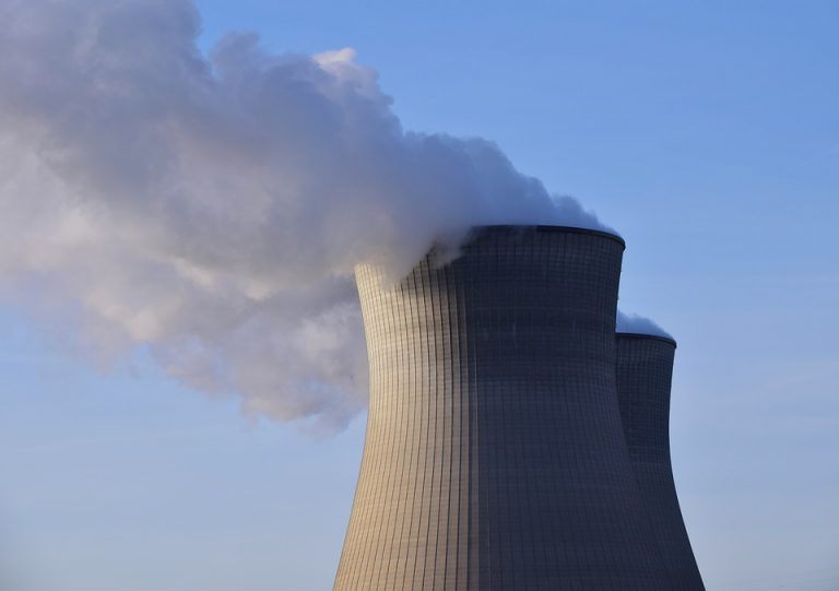 Tristan Kamin : « Le remplacement du parc nucléaire par des énergies renouvelables ne peut se faire, dans le meilleur des cas, qu'à la marge » [Interview]