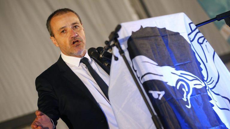 Corse: Jean-Guy Talamoni salue le nationaliste assassiné et attaque la mafia