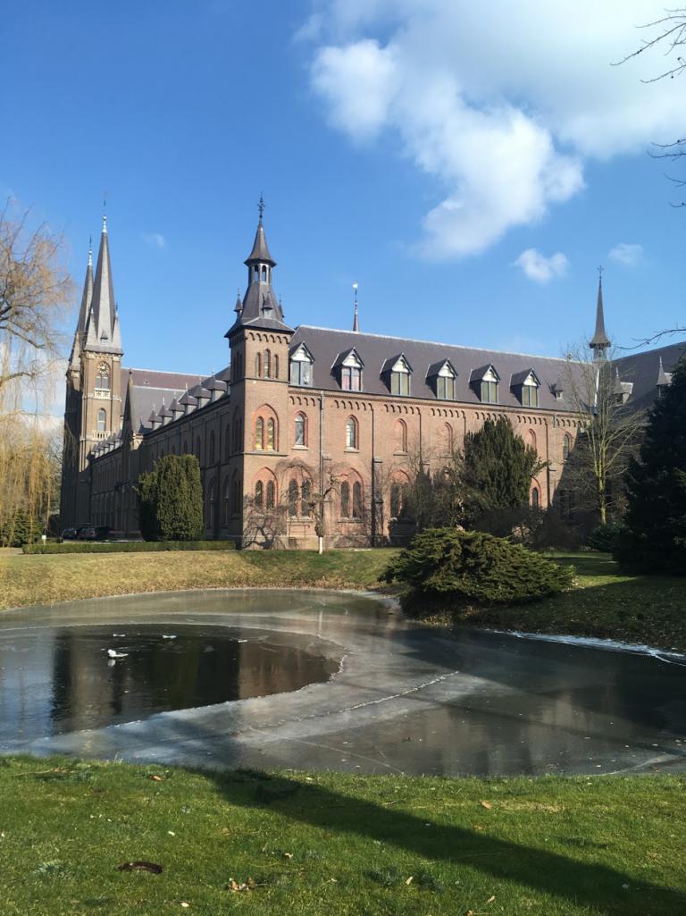 L'abbaye de Koningshoeven : des trappistes à la conquête du Nord
