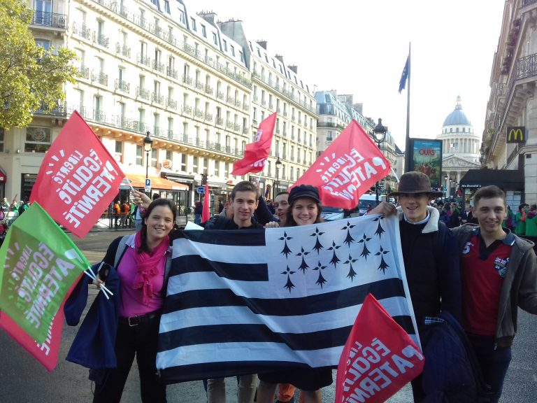 Marchons enfants. Pourquoi sont-ils allés à la marche contre le projet de loi sur la bioéthique?