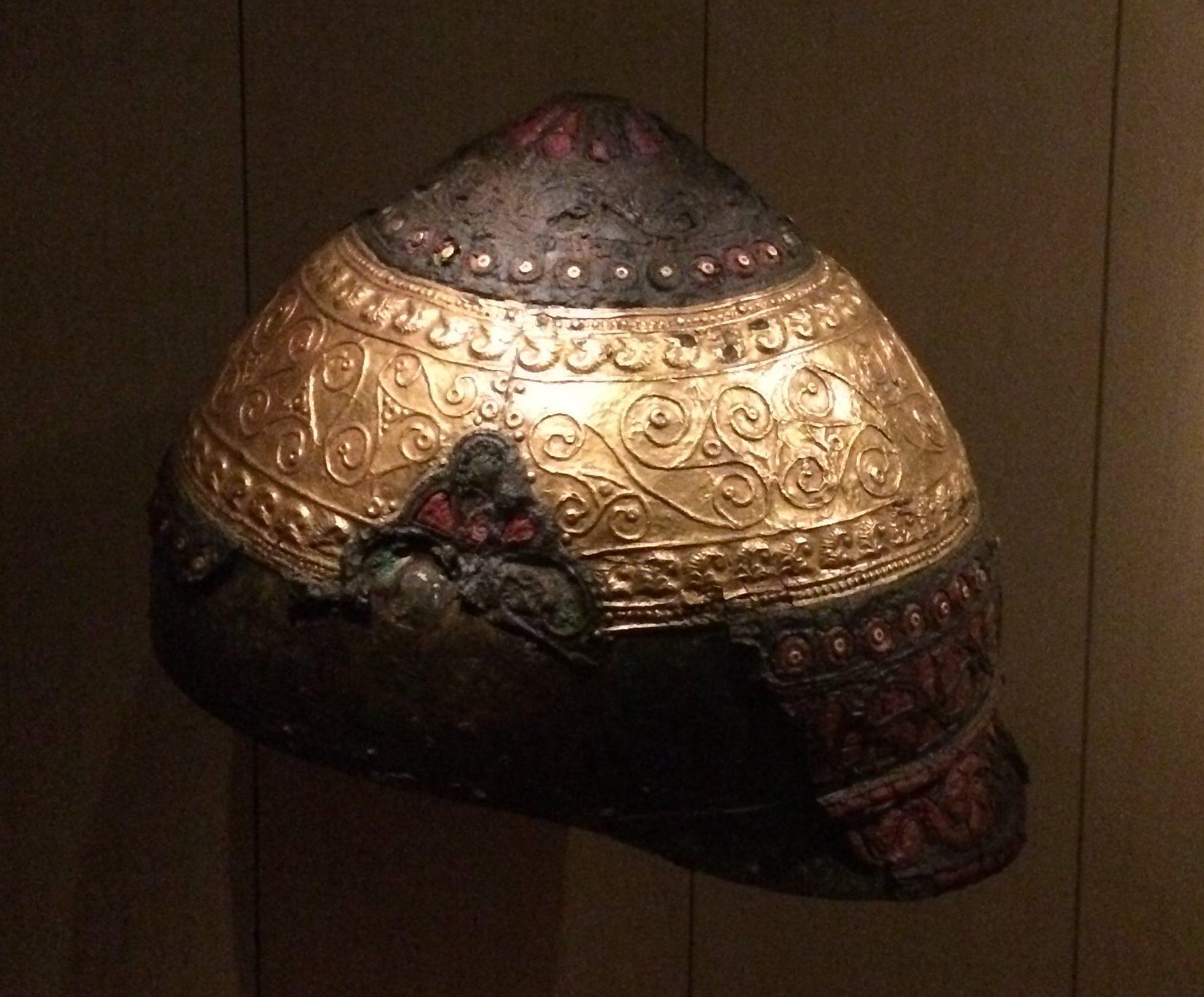 Casque Amfreville - musée archéologie nationale - Saint-Germain-en-Laye