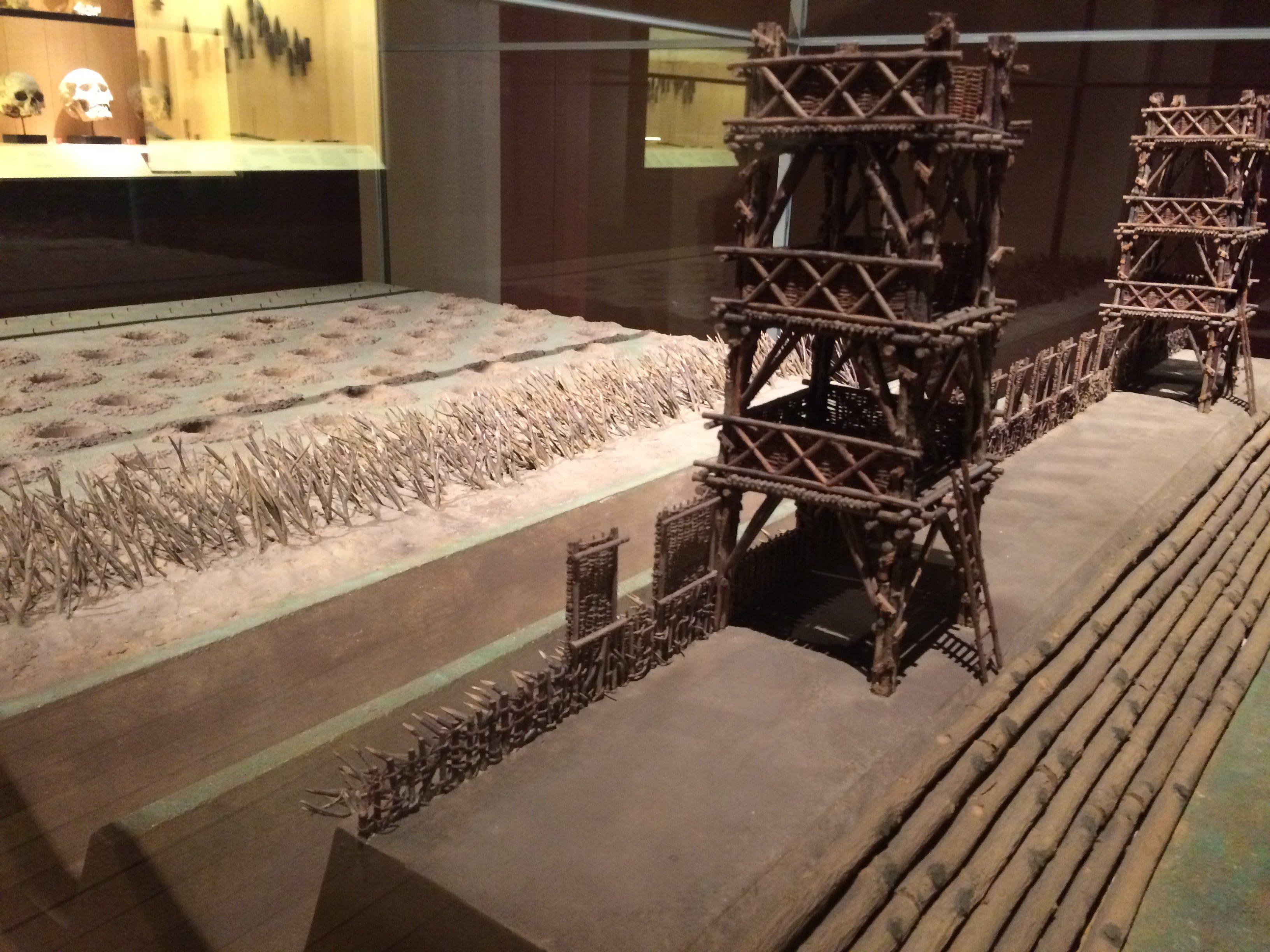 Maquette du siège Alésia - musée archéologie nationale - Saint-Germain-en-Laye