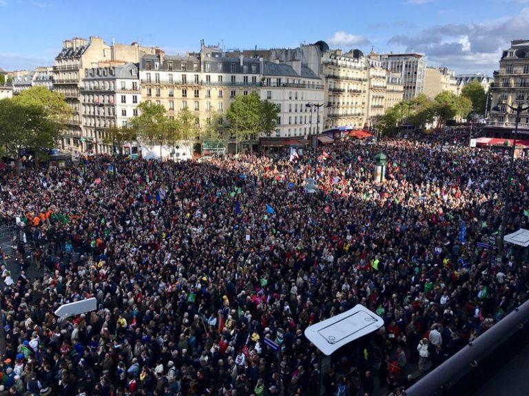 PMA: Beaucoup de monde à La Manif Pour Tous et Twitter se déchaîne