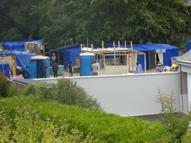 Evacuation du gymnase squatté à Nantes: 17 migrants clandestins transférés en CRA