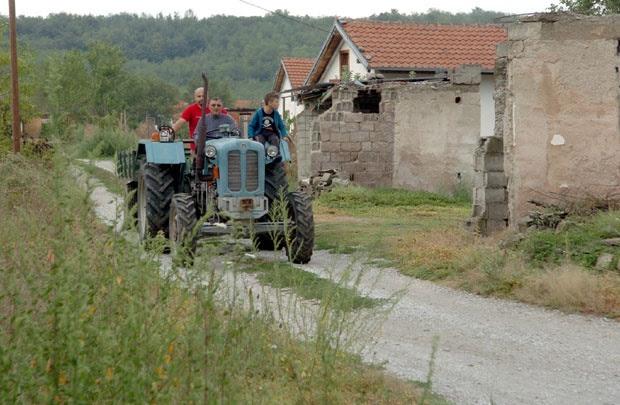 Christianophobie au Kosovo. L'aide au retour des réfugiés chrétiens de Novake