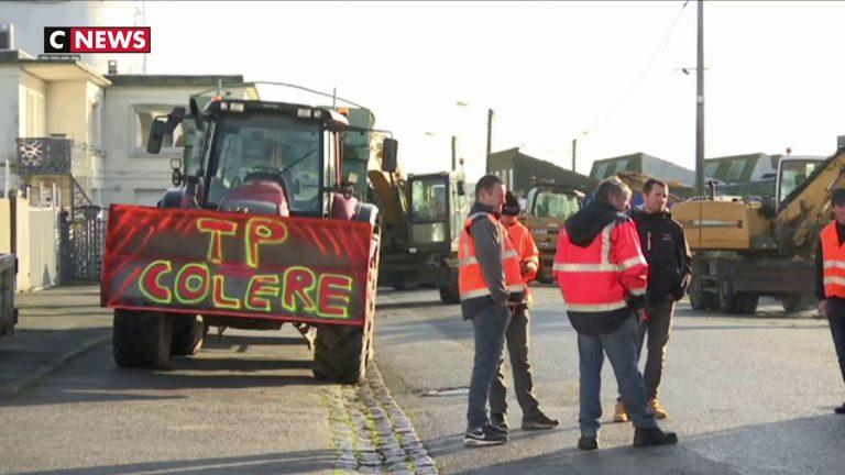 Bretagne : des dépôts pétroliers bloqués par des professionnels du BTP [Vidéo]