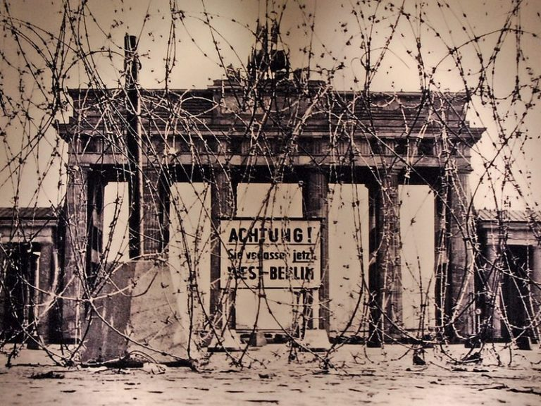 Les murmures du Mur [L'Agora]