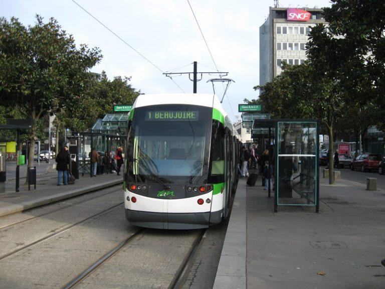 Nantes. Le conducteur de tram braqué au pistolet, le trafic interrompu