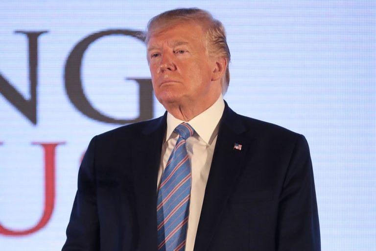 Terrorisme économique aux États-Unis. Donald Trump attaqué jusque sur ses terrains de golf