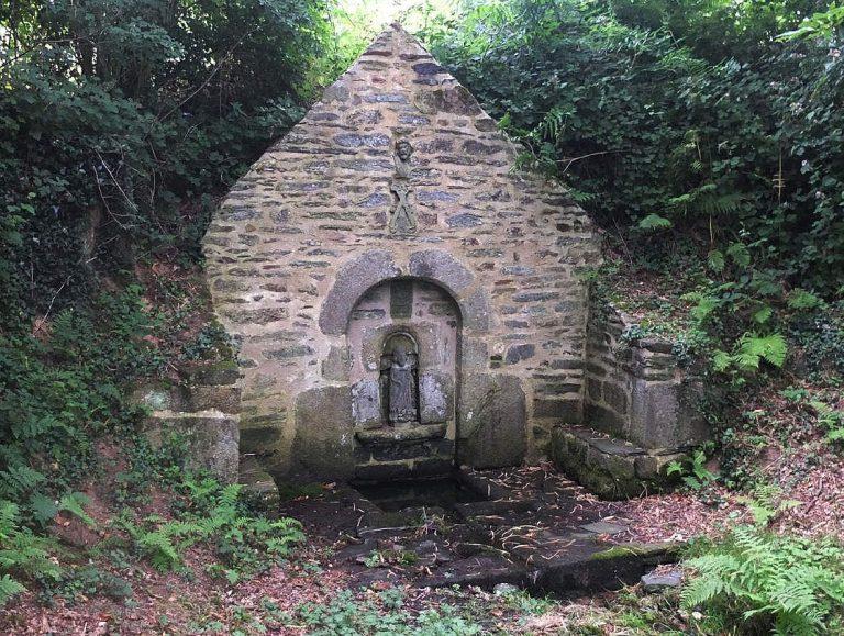 Fontaines sacrées de Bretagne