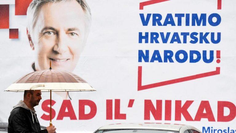 Présidentielle croate: le chanteur folk populiste loupe de peu le second tour