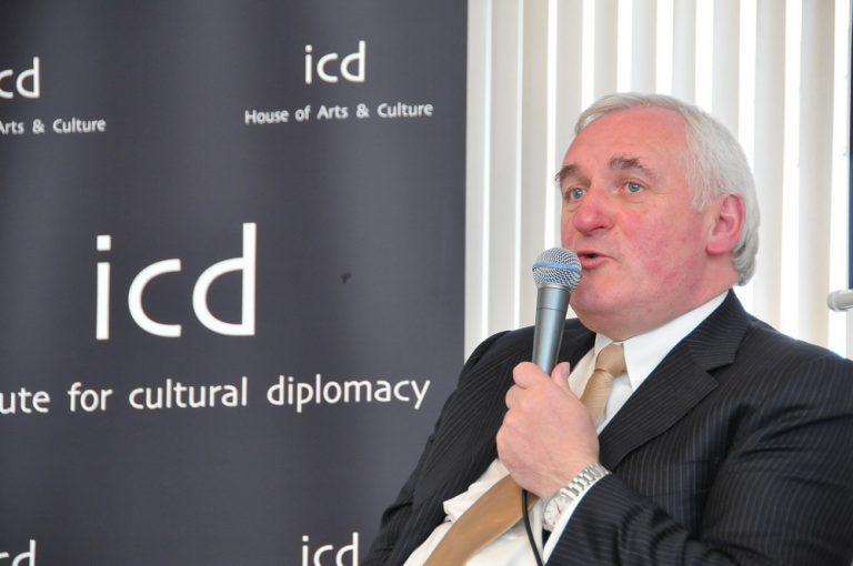 Bertie Ahern, ancien premier ministre d'Irlande : « Un référendum sur la réunification est inévitable »