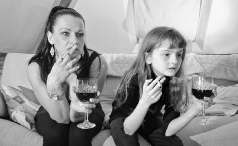 Festival Very Bad Mother. La brasserie Tri Martolod, Ouest-France et Le Télégramme pris en flagrant délit de soutien au féminisme LGBT et à l'antifascisme radical…