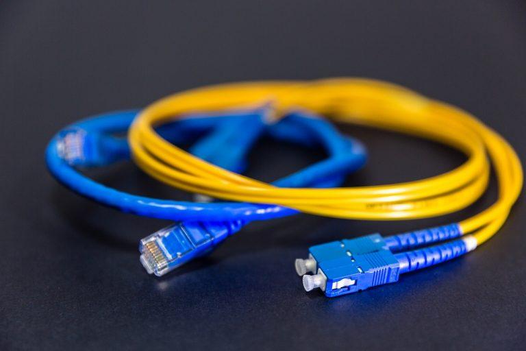 Fibre optique. Deux ans de retard pour le très haut débit en Bretagne