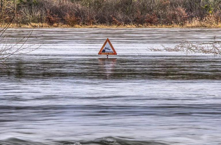 Montée du niveau de la mer : des barrages pour clôturer la mer du Nord ?