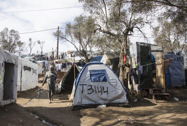Crise migratoire sans précédent à Lesbos : un avant-goût amer du village global [Reportage]
