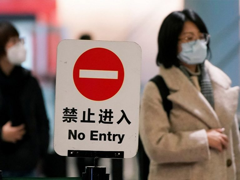 Dr Giorgio Palù, grand virologue en Italie : « On a voulu isoler les Chinois venant du foyer du virus. Mais cela a été vu comme raciste, alors qu'ils venaient de l'épicentre! ».
