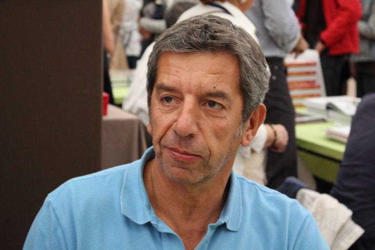 Capital s'intéresse aux « Très bonnes affaires » du médecin des Médias, Michel Cymes