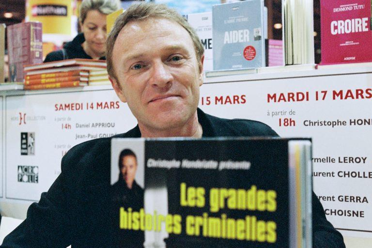 Christophe Hondelatte, journaliste emblématique, ne supporte pas le bruit des tirs militaires!