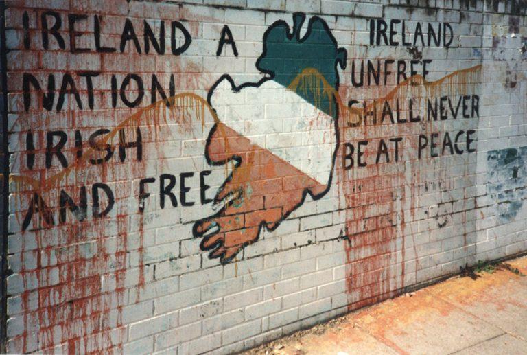 Irlande. Pour Pâques, l'IRA affirme : «Nous conservons la capacité et les ressources nécessaires pour continuer à frapper ceux qui maintiennent l'occupation britannique»