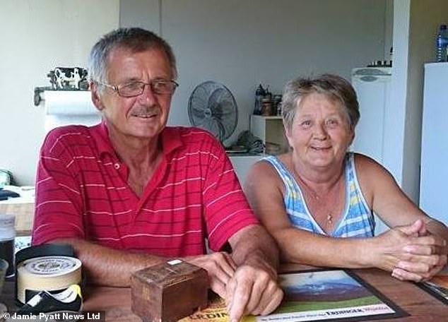 Afrique du Sud : un restaurateur blanc massacré à coups de machette par un noir, devant sa femme