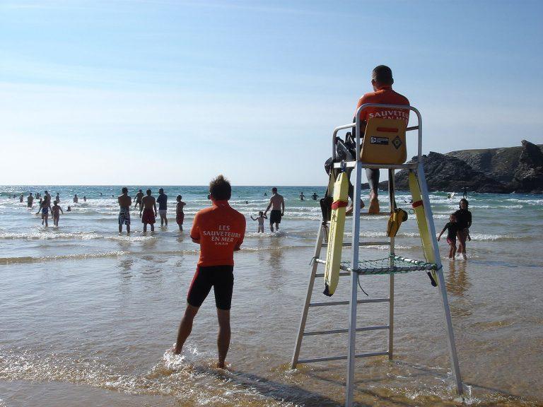 Les bons réflexes à avoir en mer, sur les plages et lors des baignades