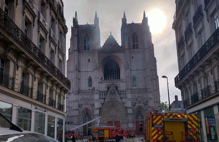 Incendie de la cathédrale de Nantes: le «bénévole» rwandais à nouveau en garde à vue — et avoue