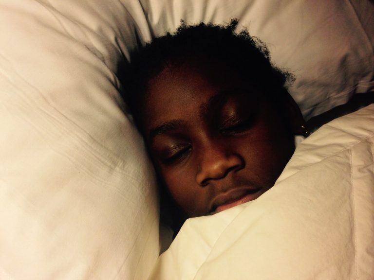 Le manque de sommeil, une nouvelle forme de « racisme systémique » envers les Noirs ?