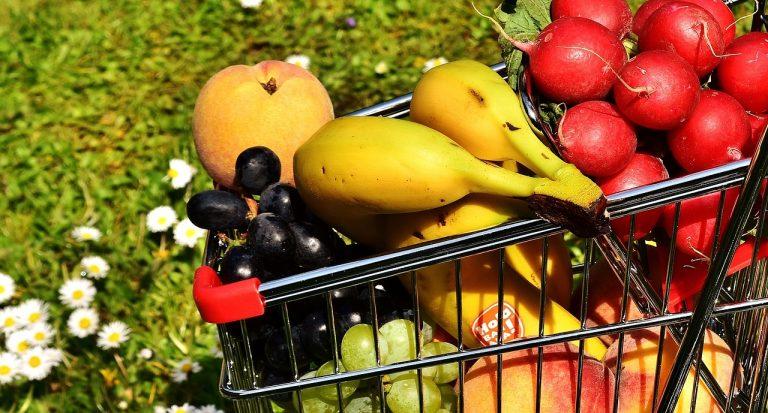 Dans la grande distribution, les prix des fruits et légumes ont bondi