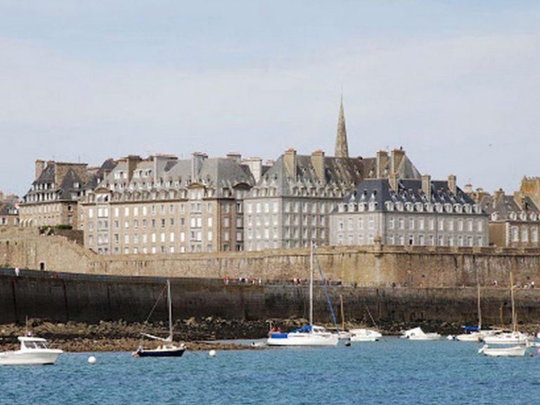 Saint-Malo. La Ville impose des quotas pour les locations touristiques de courte durée