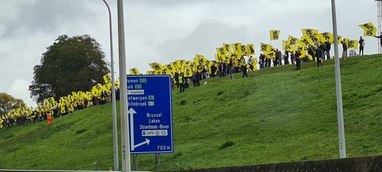 Des milliers de Flamands défilent contre la «Coalition Vivaldi» et la tentation totalitaire belge