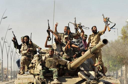 Des milices libyennes et mercenaires syriens s'affrontent à Tripoli pour de l'argent