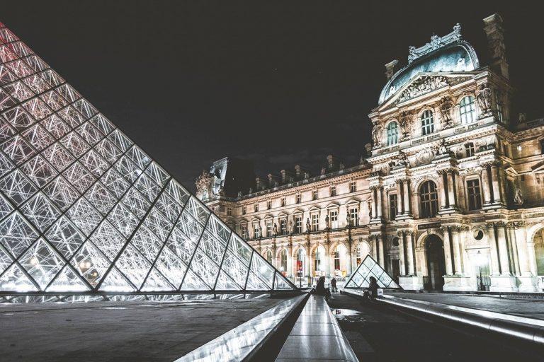 Culture. Un plan de relance de 2 milliards d'euros « parisiano-centré »