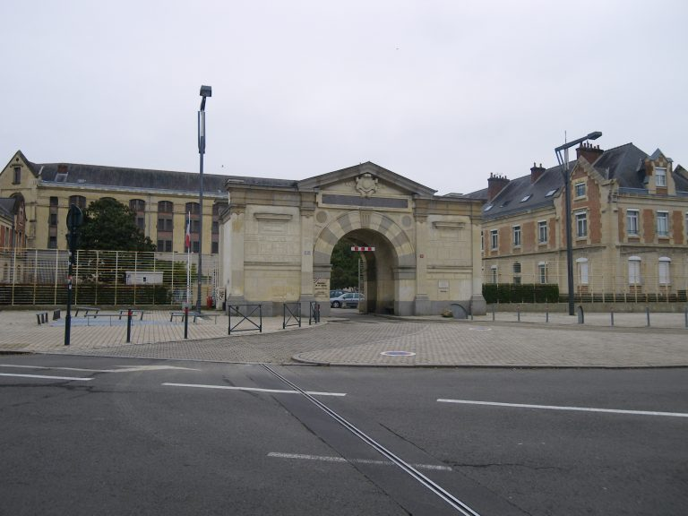 Un détenu transgenre de la prison pour femmes de Rennes porte plainte contre FO Pénitentiaire