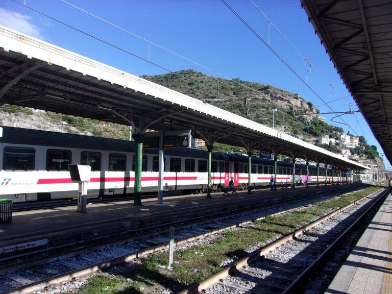 Vintimille: une frontière entre la France et l'Italie ouverte à tous vents