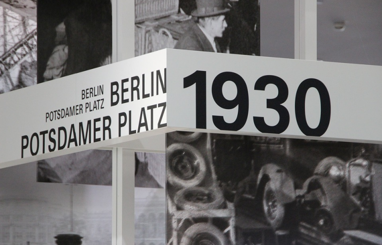 De l'ascension à la soumission: souvenirs de Potsdamer Platz [L'Agora]