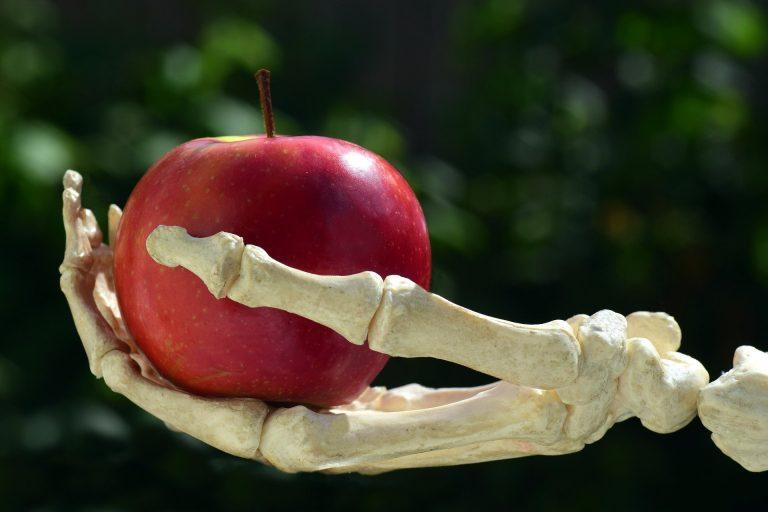 Entre menaces économiques et sanitaires, les néonicotinoïdes empoisonnent la vie de Barbara Pompili