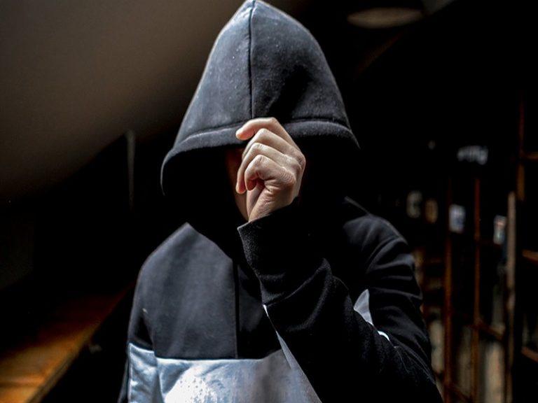 Rennes. Trois clandestins en instance d'expulsion dégradent, incendient et outragent au CRA