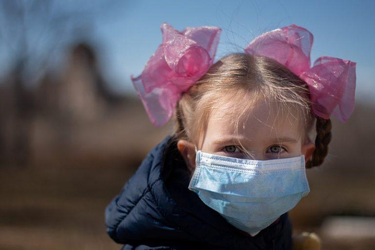 Dans le Morbihan, une pétition et des parents contre le masque obligatoire pour les enfants
