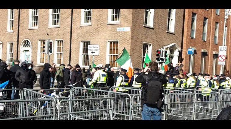 Dublin. Nouvelle manifestation contre les mesures sanitaires – Attaque des antifas