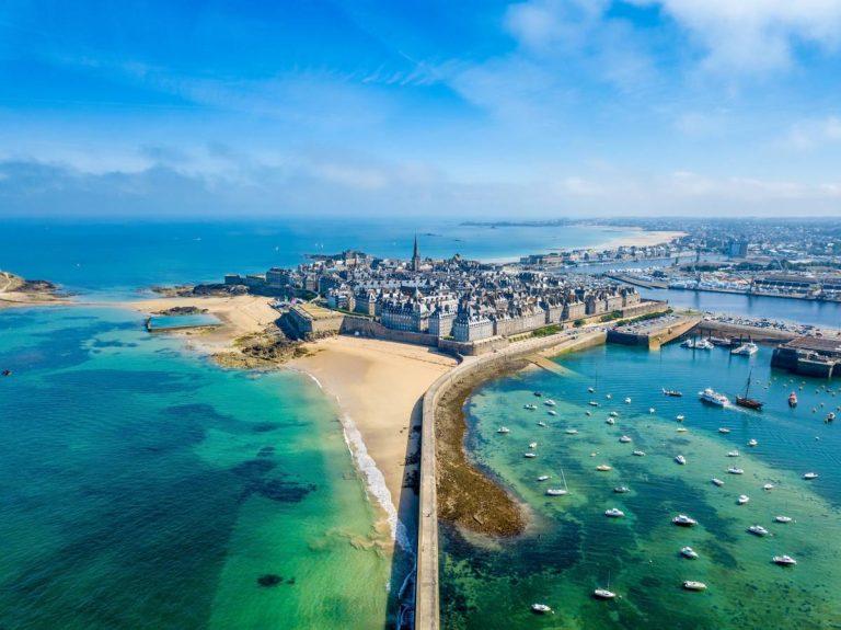 Tourisme en Bretagne, pourquoi partir avec le train?