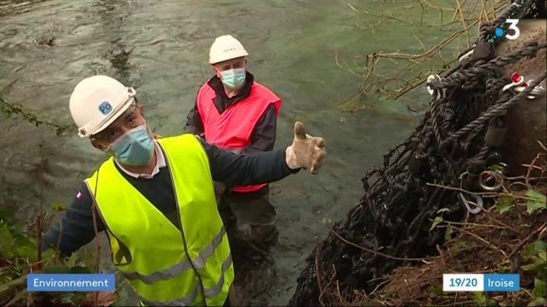 Landerneau et Sizun : le syndicat du bassin de l'Elorn fait poser des filets pour piéger les déchets